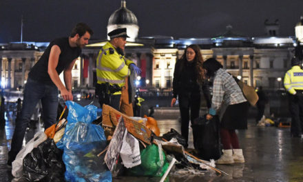 Extinction Rebellion Ignore Police Ban in London