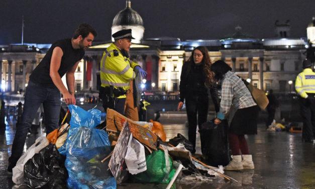 Extinction Rebellion Ignore Police Ban in London