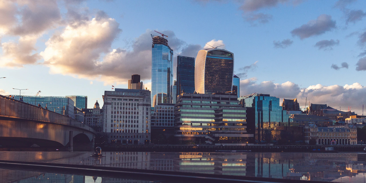 UK Economy Declines by Over 20 Percent in April